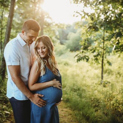 forest walk blue denim maternity photography MI