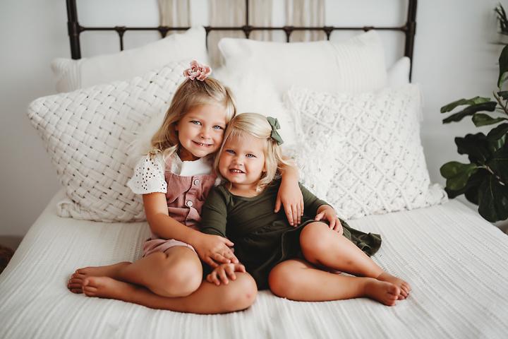 sisters Nora and Lucy Kalamazoo Michigan Photographer