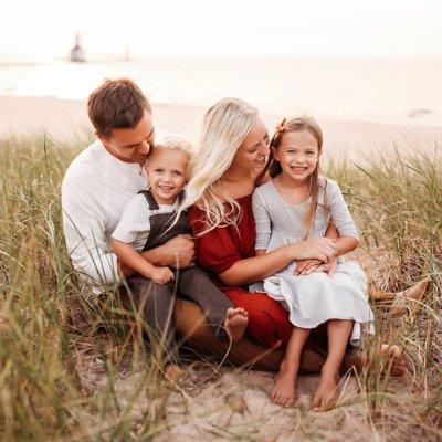 Family Photographer in Kalamazoo